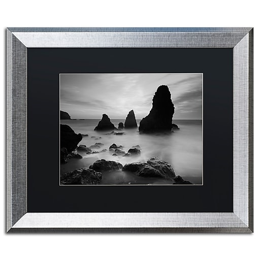 """Trademark Fine Art ''Rodeo Beach I Black and White'' by Moises Levy 16"""" x 20"""" Black Matted Silver Frame (886511837560)"""