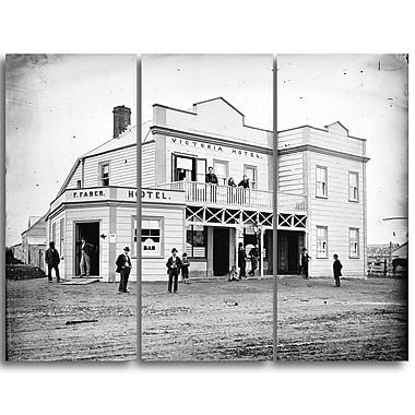 Designart – James Bragge, hôtel Victoria, imprimé sur toile (PT4539-3P)