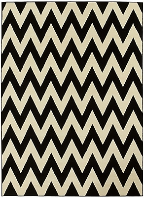 Brady Home Black/White Area Rug; 5' x 7'