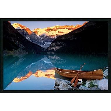 Amanti Art ? Impression encadrée « Canoë sur le lac Louise » avec fini en gel, 37 x 25 po (DSW1408602)