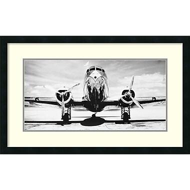 Amanti Art ? Impression encadrée « Avion à passagers sur la piste » par Philip Gendreau, 32 x 20 po (DSW1418692)