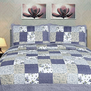 DaDa Bedding Blueberry Patch 3 Piece Reversible Quilt Set; King