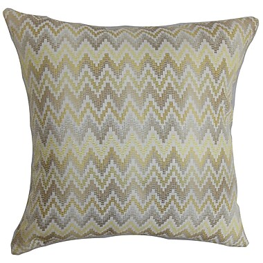 The Pillow Collection Yanira Zigzag Throw Pillow Cover; 18'' x 18''