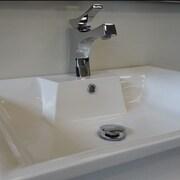Nezza Talon Series Bathroom Faucet Single Handle; Chrome