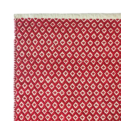 Cozy Home and Bath Hand-Woven Red Area Rug; 5' x 8'