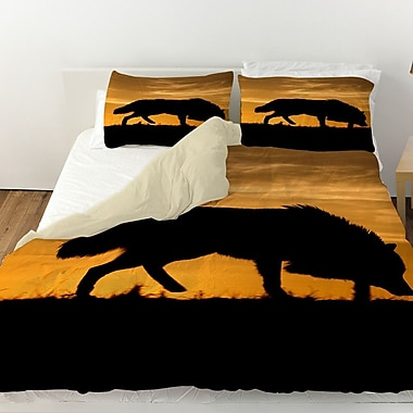 Manual Woodworkers & Weavers Wolf Silhouette Duvet Cover; Twin
