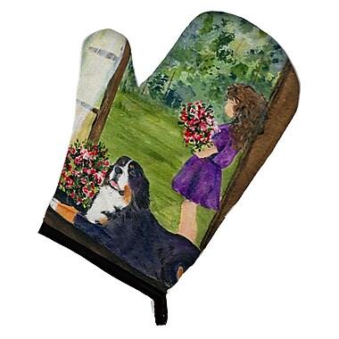 Caroline's Treasures Little Girl w/ Her Bernese Mountain Dog Oven Mitt