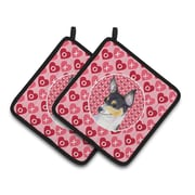 The Holiday Aisle Chihuahua Hearts Love and Valentine's Day Portrait Potholder (Set of 2)