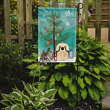 Caroline's Treasures Merry Christmas Tree Pekingese 2-Sided Garden Flag; Cream