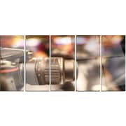 DesignArt 'Modern Camera in City Electronics Shop' 5 Piece Photographic Print on Canvas Set