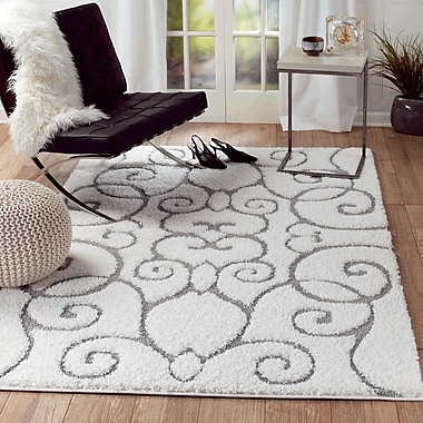 Rug and Decor Inc. Lorena White Area Rug; 5' x 7'