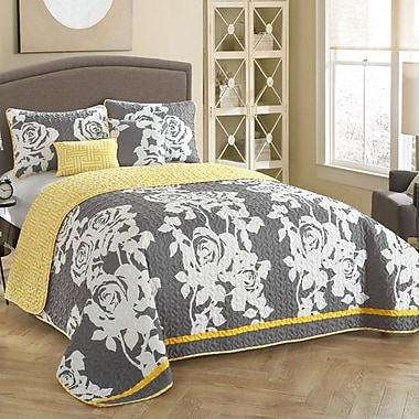 Stylehouse South Beach 5 Piece Reversible Quilt Set; Full