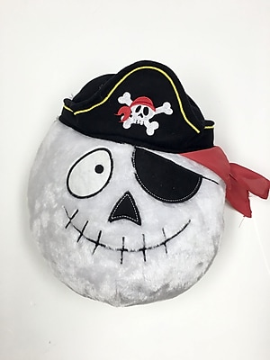 King Max Products Whimsy Pirate Skull Plush Wall D cor