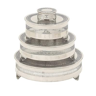 Cole & Grey 4 Piece Metal Cake Plate Set