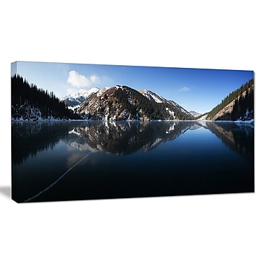 DesignArt 'Frozen Mountain Lake Pano' Photographic Print on Wrapped Canvas; 30'' H x 40'' W x 1'' D