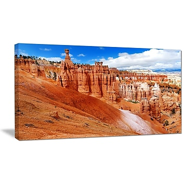 DesignArt 'Stunning Red Sandstone Hoodoos' Photographic Print on Wrapped Canvas