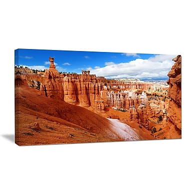 DesignArt 'Sandstone Hoodoos in Bryce Canyon' Photographic Print on Wrapped Canvas