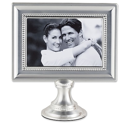 Charlton Home Saunterton Bead Metal Pedestal Picture Frame WYF078280091488