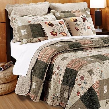 August Grove Helma Quilt Set w/ Decorative Pillows; Twin