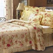 August Grove Abbigail Bonus Reversible Quilt Set; Full / Queen