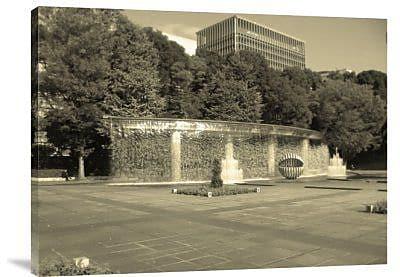 Naxart 'Tokyo Fountain' Photographic Print on Canvas; 30'' H x 40'' W x 1.5'' D