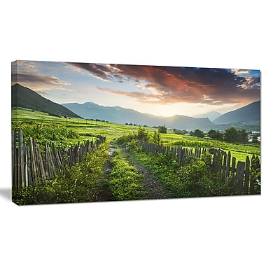 DesignArt 'Green Georgian Mountain Valley' Photographic Print on Wrapped Canvas