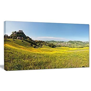 DesignArt 'Italian Castle of Rossena' Photographic Print on Wrapped Canvas; 16'' H x 32'' W x 1'' D