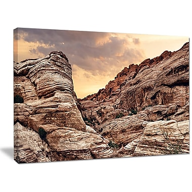 DesignArt 'Scenic Red Rock Canyon in Nevada' Photographic Print on Wrapped Canvas