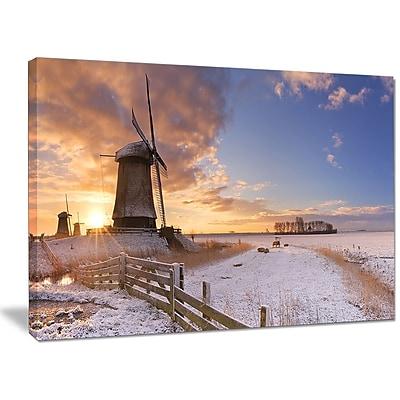 DesignArt 'Dutch Windmills at Sunrise' Photographic Print on Wrapped Canvas; 30'' H x 40'' W x 1'' D