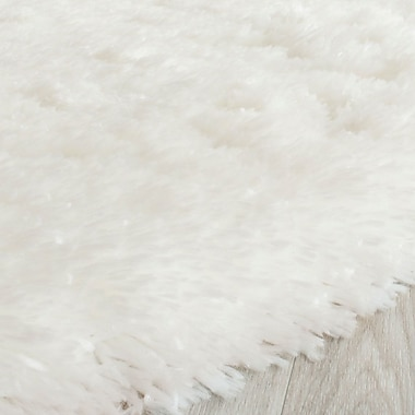 Willa Arlo Interiors Chantrell Shag White Area Rug; 8' x 10'