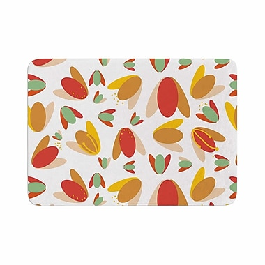 East Urban Home Love Midge 70's Retro Floral Memory Foam Bath Rug; 0.5'' H x 17'' W x 24'' D
