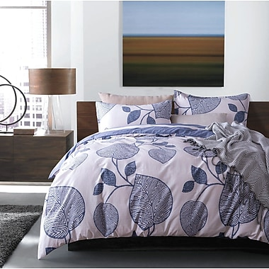Latitude Run Neville Modern Geo Reversible Duvet Cover Set; King