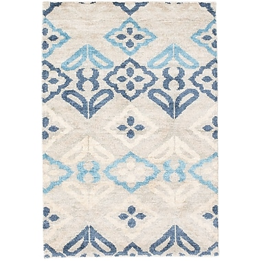 August Grove Peterson Sari Silk Hand-Knotted Light Gray Area Rug; 4' x 6'