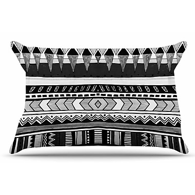 East Urban Home Vasare Nar 'Tribal And White' Geometric Pillow Case