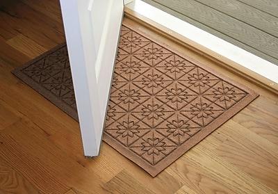 Bungalow Flooring Aqua Shield Medium Brown Star Quilt Mat; 2' x 3'