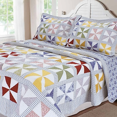 August Grove Goussainville Patchwork Quilt; King