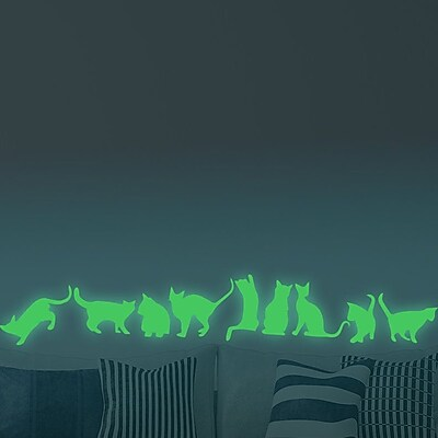 Walplus Nine Cats Glowing Wall Decal