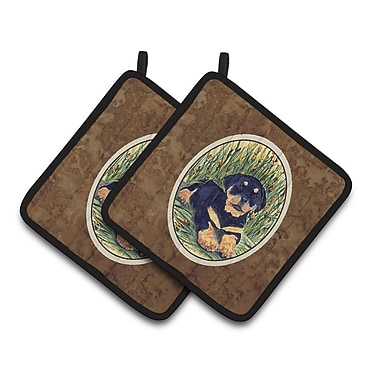 East Urban Home Rottweiler Lying Potholder (Set of 2)
