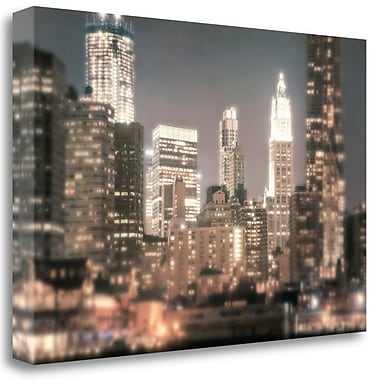 Tangletown Fine Art 'In a New York Minute' Photographic Print on Wrapped Canvas; 26'' H x 39'' W