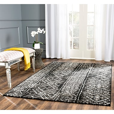 Bungalow Rose Vanek Black/Silver Area Rug; 4' x 6'