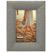 Bungalow Rose Grey Wash Metal Picture Frame; 4'' x 6''