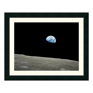 Amanti Art – Impression encadrée par NASA, lever de Terre d'Apollo 8, 31 x 25 po (DSW1035592)
