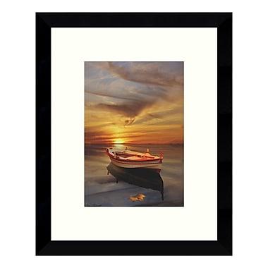 Amanti Art – Impression encadrée par Carlos Casamayor, « Silence suspect 2 » (bateau), 9 x 11 po (DSW3422397)