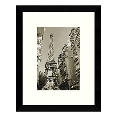 Amanti Art – Reproduction encadrée de « Eiffel Tower Street View #1 » par Christian Peacock, 9 x 11 po (DSW3422587)