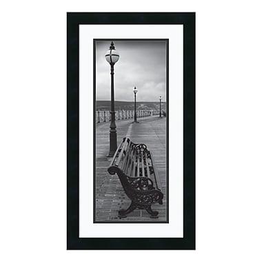 Amanti Art – Reproduction encadrée de « Bench on the Boardwalk », 14 x 26 po (DSW140553)