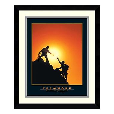 Amanti Art – Reproduction encadrée de « Teamwork (Climbers) », 15 x 18 po (DSW177450)