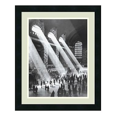 Amanti Art – Imprimé encadré Grand Central Station, 18 x 22 po (DSW01122)