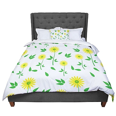 East Urban Home Louise Daisy Comforter; King