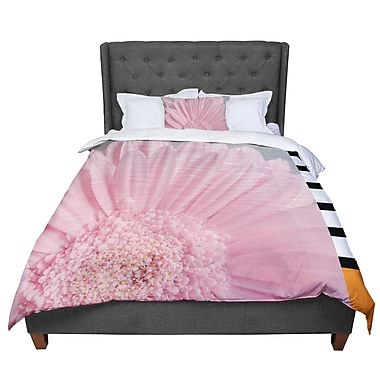 East Urban Home Suzanne Harford Summer Daisy Floral Comforter; Queen