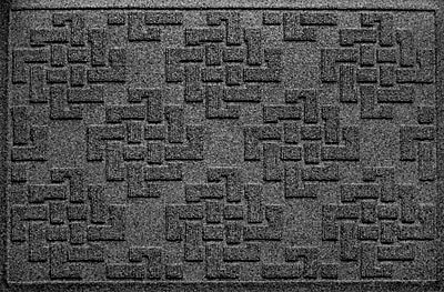Brayden Studio Mendez Rectangle Doormat; Charcoal